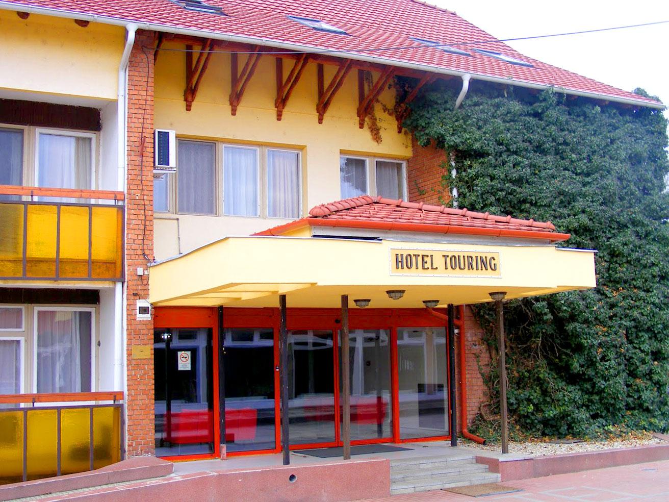 CSERKESZŐLŐ TOURING HOTEL ÉS KEMPING